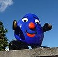 Das KiBiTop-Männchen ist das Symbol des protestantischen Kindergartens KiBi-Top (Kinderbiotop). - panoramio.jpg