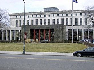 Detroit Public Library - Image: Detroit Public Librarymainfromcass