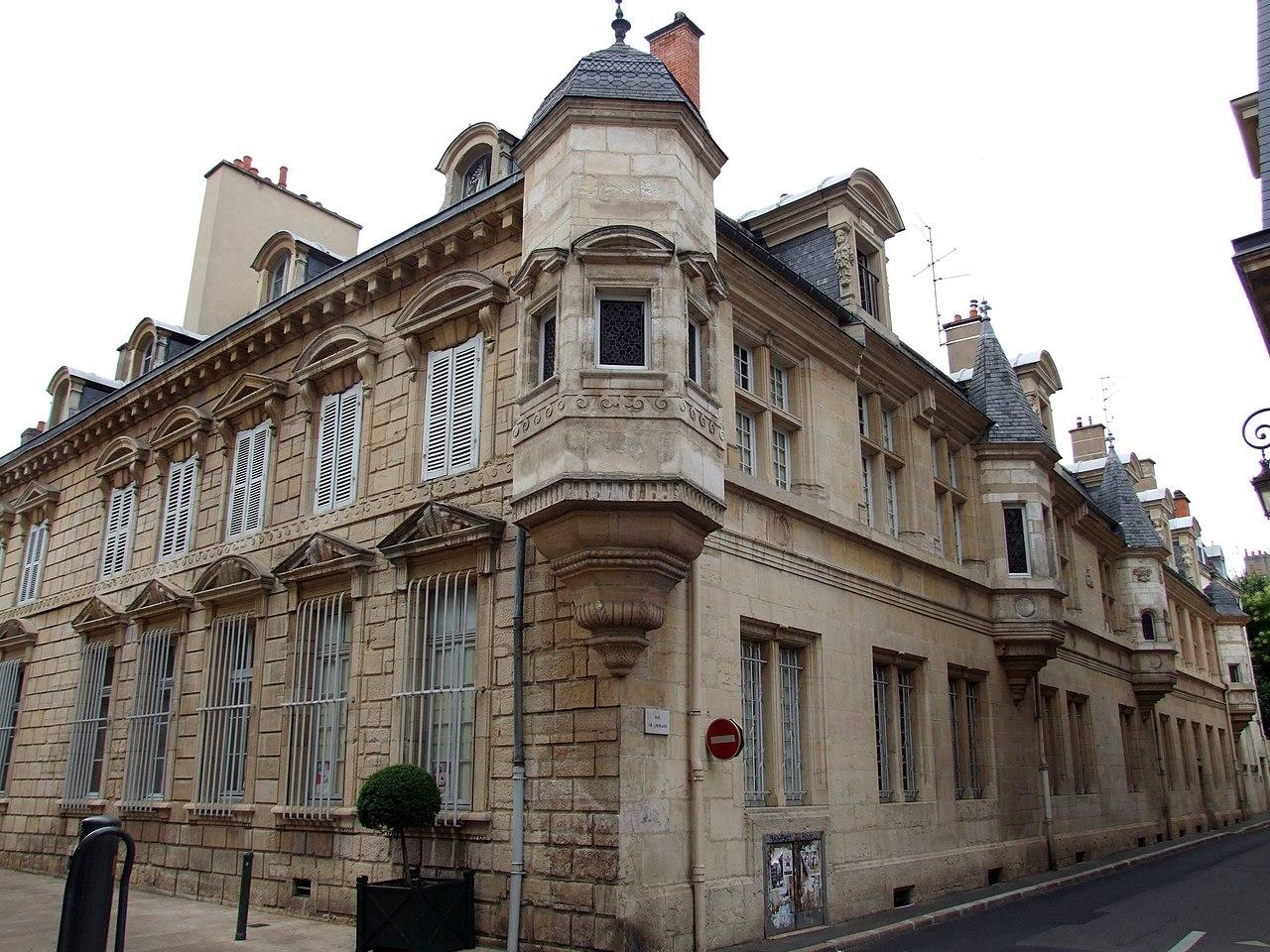 H Ef Bf Bdtel  Dijon Proche Du Centre Ville
