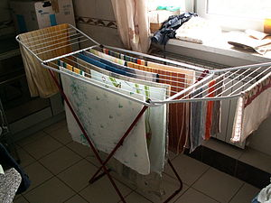 English: Drying clothes