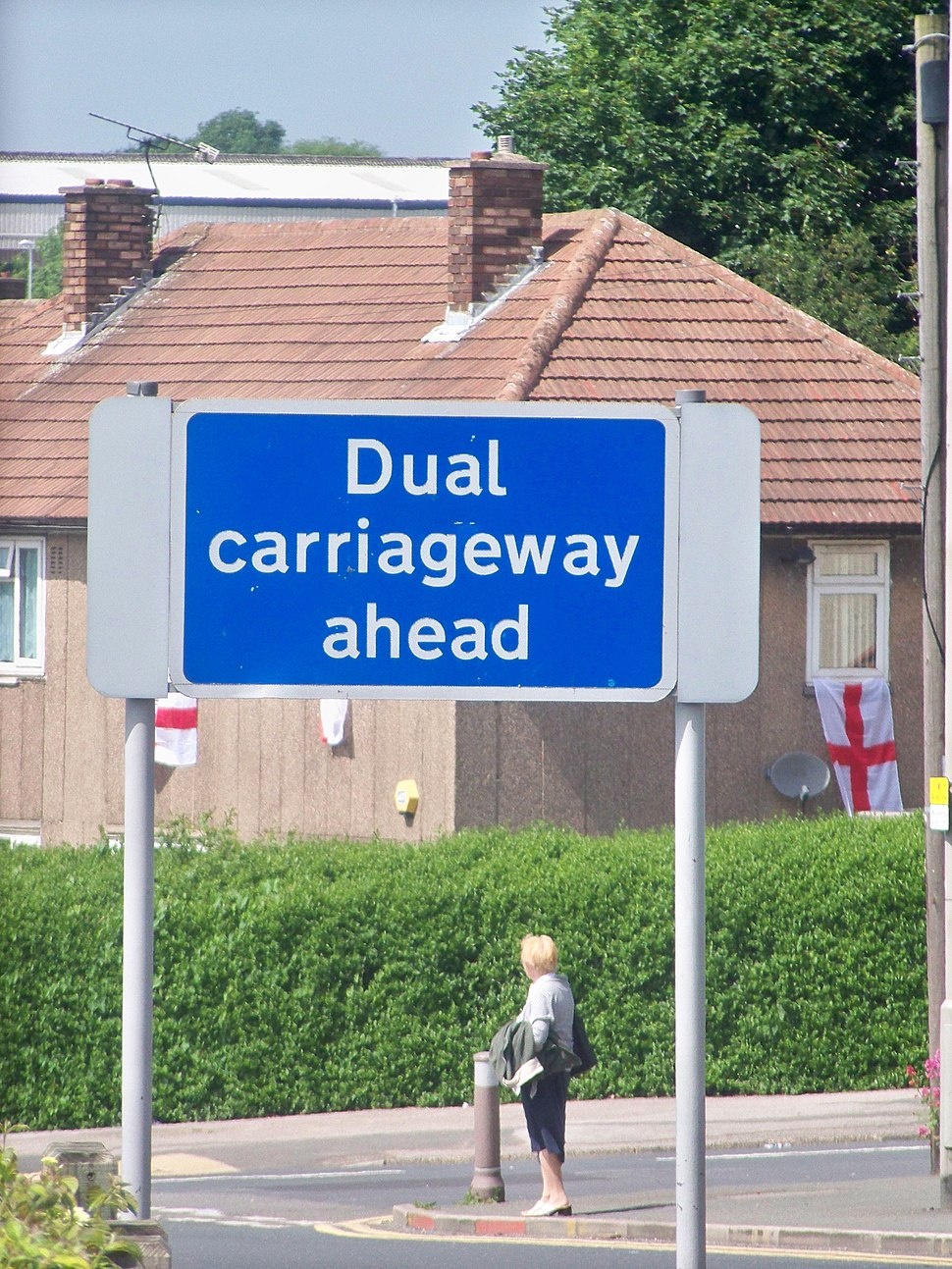 Dual carriageway sign on North Parkway (11th June 2010)