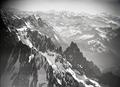 ETH-BIB-Mont Blanc, Südabsturz, Walliseralpen aus 5000 m-Inlandflüge-LBS MH01-006454.tif