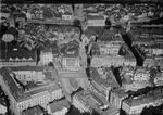 ETH-BIB-Zürich, Paradeplatz, Fraumünster v. W. aus 150 m-Inlandflüge-LBS MH01-005897.tif