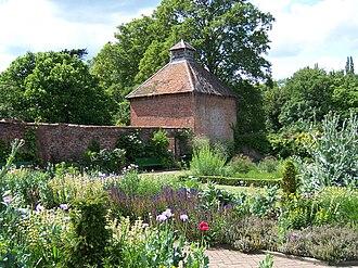 Eastcote - Image: Eastcote House Gardens Dovecote