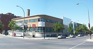Ahuntsic - Édifice Albert-Dumouche, which houses the Ahuntsic library