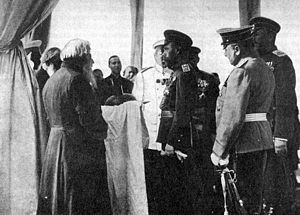 Romanov Tercentenary - Nicholas II accepts offering of bread and salt from Old Believer in Yaroslavl