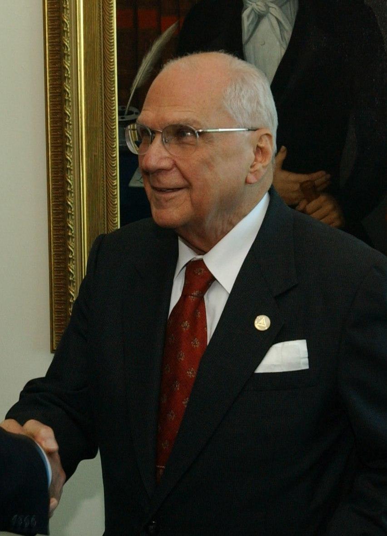 Enrique Bolaños Geyer 2004