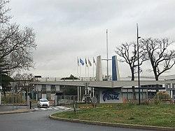 Entrée de l'ENAC Toulouse.jpg