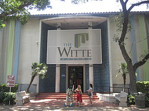 Witte Museum - Front entrance on Broadway Street to the Witte Museum in San Antonio, Texas