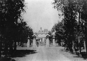 Parque San Martín, Buenos Aires - Estancia Echeverry (early 20th century): gate and manor house.