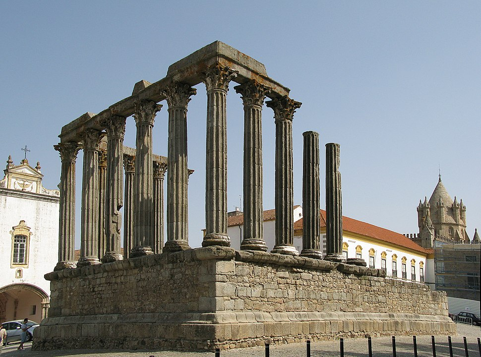 Evora-RomanTemple edit