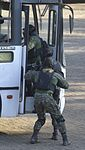 Exercício conjunto de enfrentamento ao terrorismo (27129913171).jpg