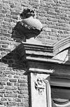 exterieur detail van ingangsomlijsting - raamsdonk - 20304350 - rce