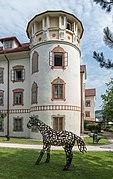 Feldkirchen Amthofgasse 5 Amthof und Stadtmuseum mit Pferdeplastik 24072015 6125.jpg