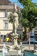 Feldkirchen Hauptplatz Nymphenbrunnen Brunnenfigur 04072016 3664.jpg