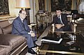 Felipe González recibe al presidente de la CEOE. Pool Moncloa. 22 de diciembre de 1988.jpeg