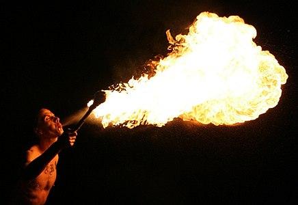 Fire breathing 20060715 7005 collien.jpg