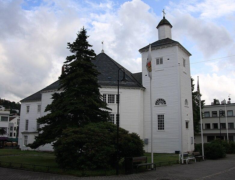 Fil:Flekkefjord kirke.JPG