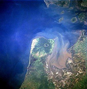 Territorial disputes of Nicaragua - The Gulf of Fonseca from space, July 1997.