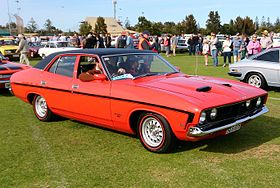 Ford Falcon 500 Sedan (XB).jpg