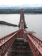 Forth Bridge, view south - geograph.org.uk - 542752.jpg