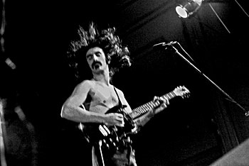 English: Frank Zappa & The Mothers Of Inventio...