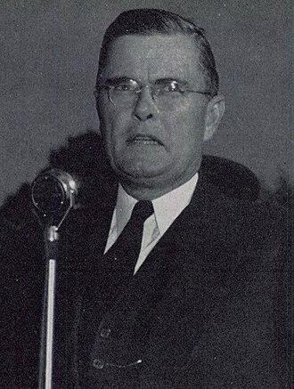 Frank M. Dixon - Image: Frank M. Dixon 1942 Auburn 3 (cropped)