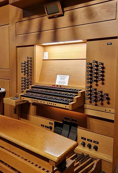 Datei:Frankfurt-Niederrad, Mutter vom Guten Rat, Orgel (3).jpg