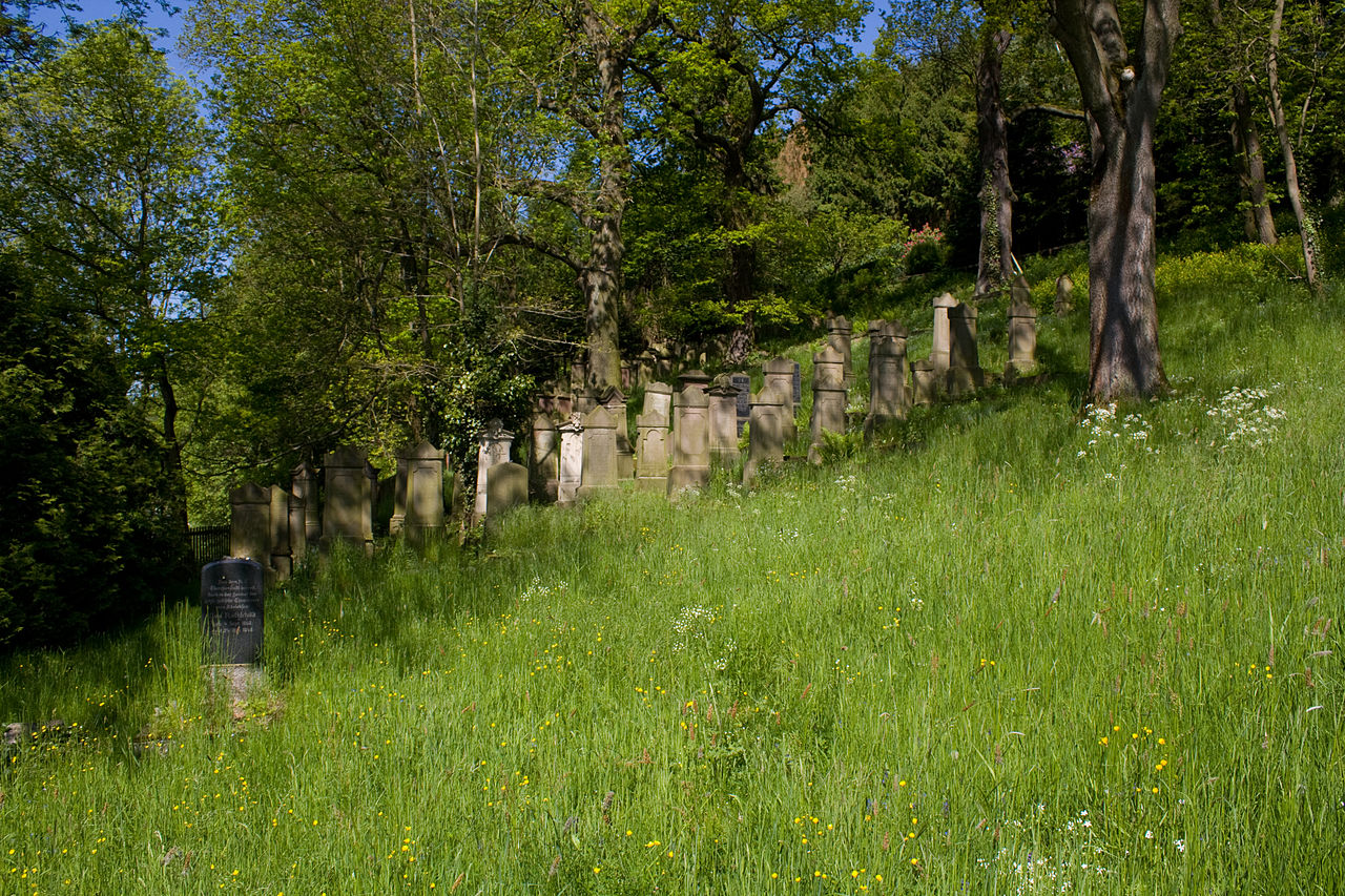 Friedhof Adelebsen.jpg
