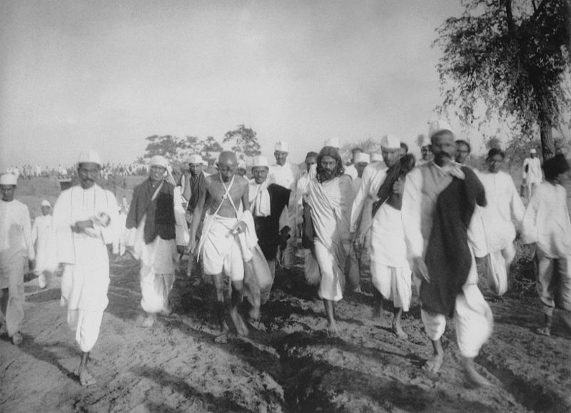 File:Gandhi during the Salt March.jpg