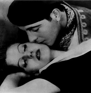 Torrent (1926 film) - Publicity still for the film with Garbo and Cortez.