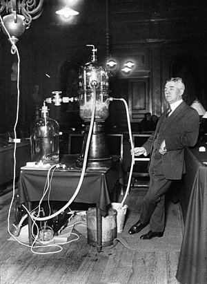Georges Claude - Georges Claude conducting a demonstration on ocean thermal energy conversion at the Institut de France in 1926.