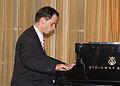 Giorgi Latsabidze at the 125 Annyversary of Thornton school of music, Lee Salem, llc 2009.jpg