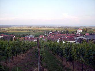Gleiszellen-Gleishorbach - Gleiszellen viewed from Blidenfeldstraße, with the Rhine valley in the background