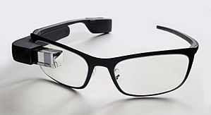 https://upload.wikimedia.org/wikipedia/commons/thumb/b/be/Google_Glass_with_frame.jpg/300px-Google_Glass_with_frame.jpg