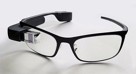 a23ded13d8b A Google Glass with black frame for prescription lens.