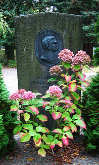 Grave of swedis professor Fredrik Wulff.jpg