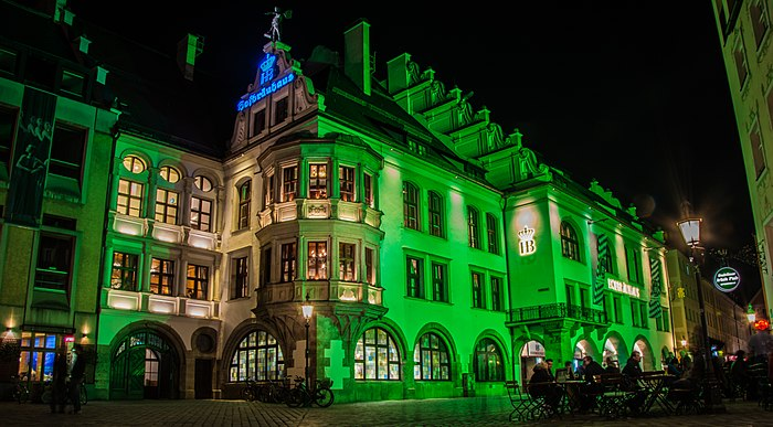 Greening Hofbräuhaus in München.jpg