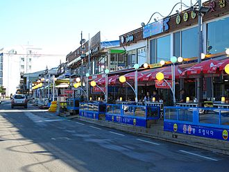 Gangneung - Gyeongpodae beach restaurants