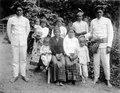 Hövdingar med sina familjer. Sulawesi, Poso. Indonesien - SMVK - 000229.tif