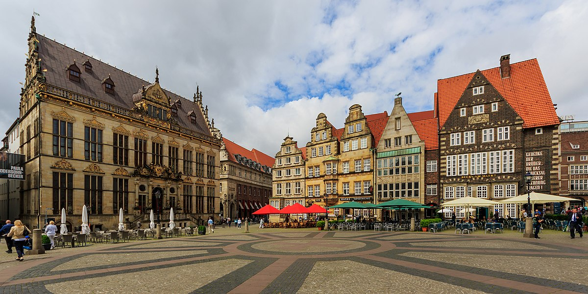 HB 2016-0607 photo06 Am Markt.jpg