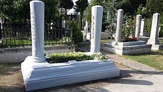 Halil İnalcık - Halil İnalcık's grave, Fatih Mosque, Istanbul.