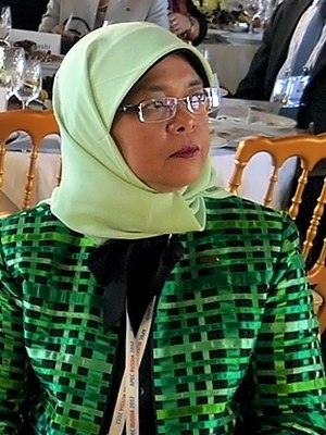 Yishun - Halimah Yacob, the 8th and current President of Singapore, lives in Yishun.