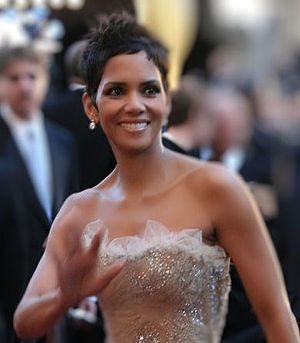 300px Halle Berry 11 AA Halle Berrys Baby Daddy Gabriel Aubry Arrested After Melee with her Fiance Olivier Martinez