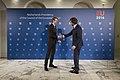 Handshake minister Sander Dekker (24014106754).jpg
