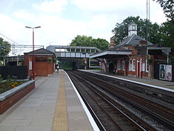 Photo of Hatch End railway station
