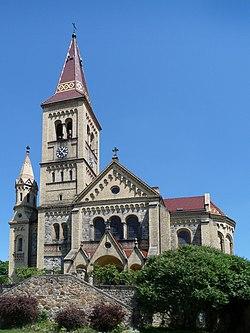 Hosín - kostel 1.jpg