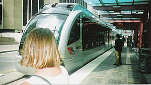 Dryden/TMC (METRORail station) - Siemens S70 tram at the Dryden/TMC station in 2004.