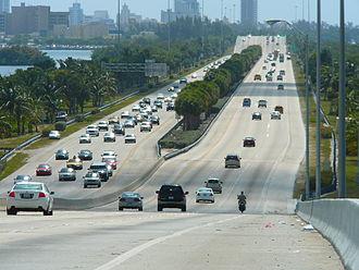 Interstate 195 (Florida) - The Julia Tuttle Causeway eastbound connecting Midtown Miami with Miami Beach