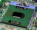 Intel Socket 479 - closed with Intel Pentium M 1.4 (RH80535GC0171M)-top oblique PNr°0329.jpg